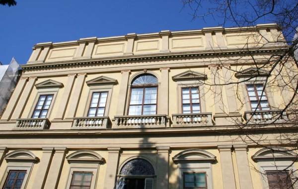 <strong>Firenze – Educandato della SS. Annunziata, Piazzale del Poggio Imperiale  restauro paramenti lapidei e intonaco del fronte tergale</strong>